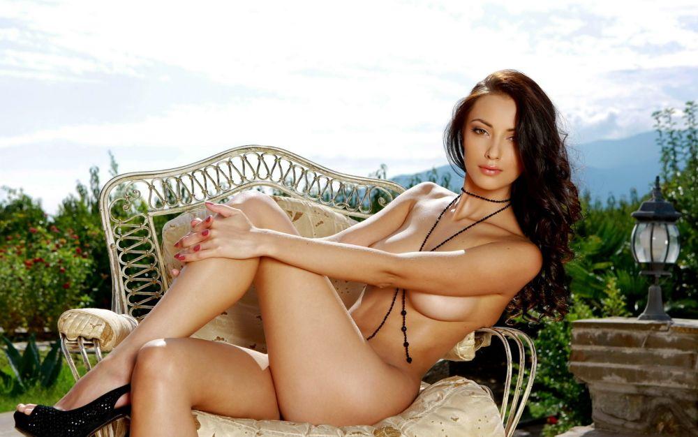 ženský výstřik krásné nahé ženy